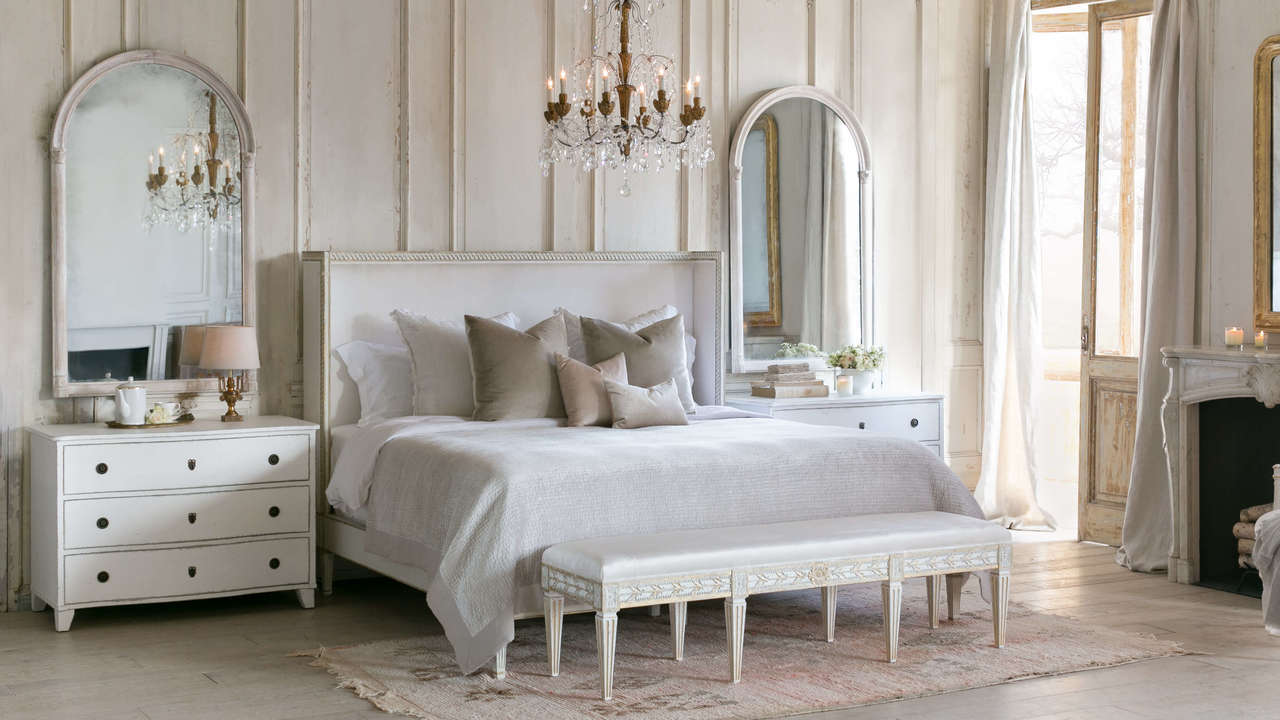 Cassia Bed in Ivory Velvet and Antique White with Gold Leaf Finish (King)