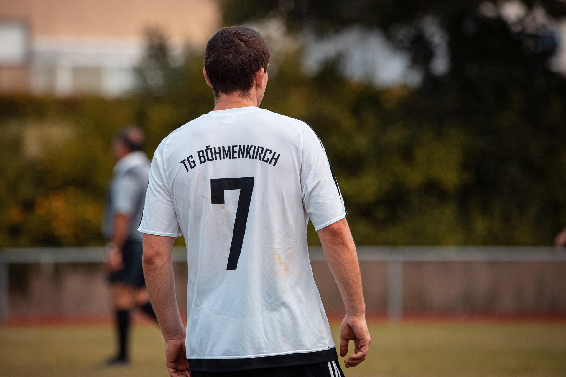 5 Kriteria Bahan Jersey untuk Baju Bola Komunitasmu
