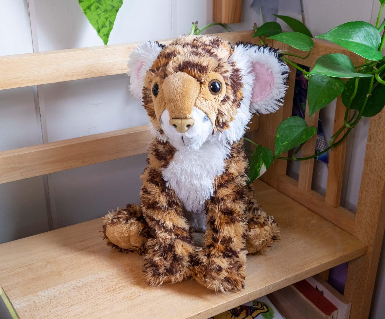 Floppy plush leopard