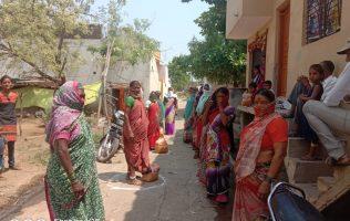 Femmes à Madki village Swayam Shikshan Prayog