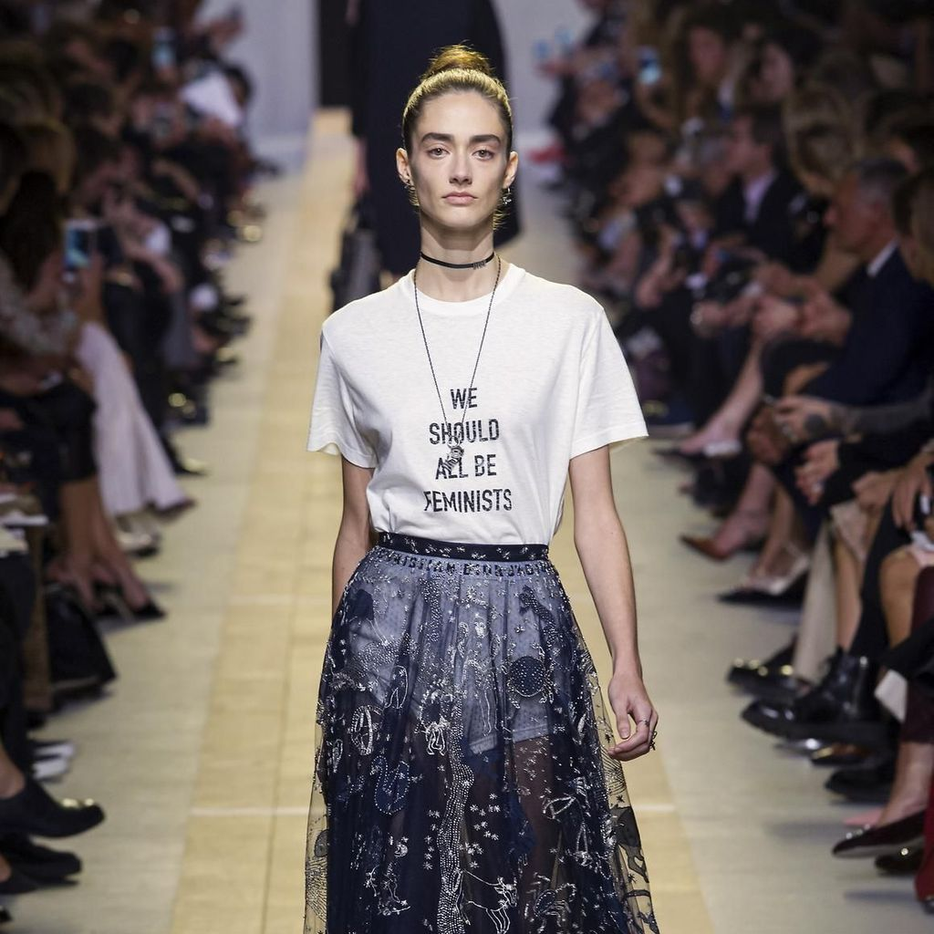 """T-shirt Dior """"We should all be feminists"""""""