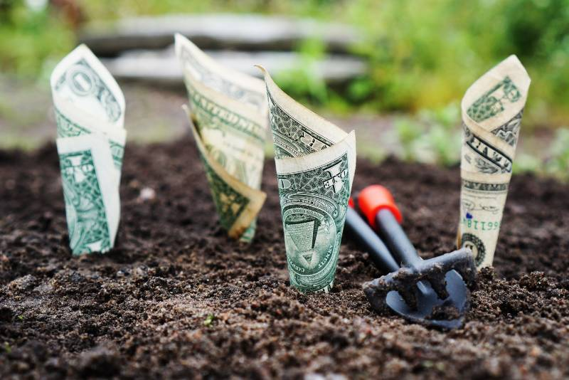 Creative Ways to Save Money That Will Net You Thousands of Dollars per Year