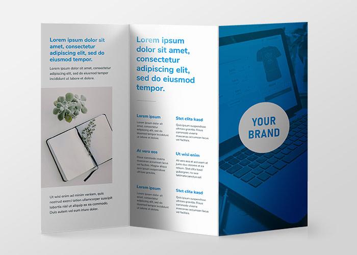 Dreifach gefaltete Broschüre mit Your-Brand-Logo