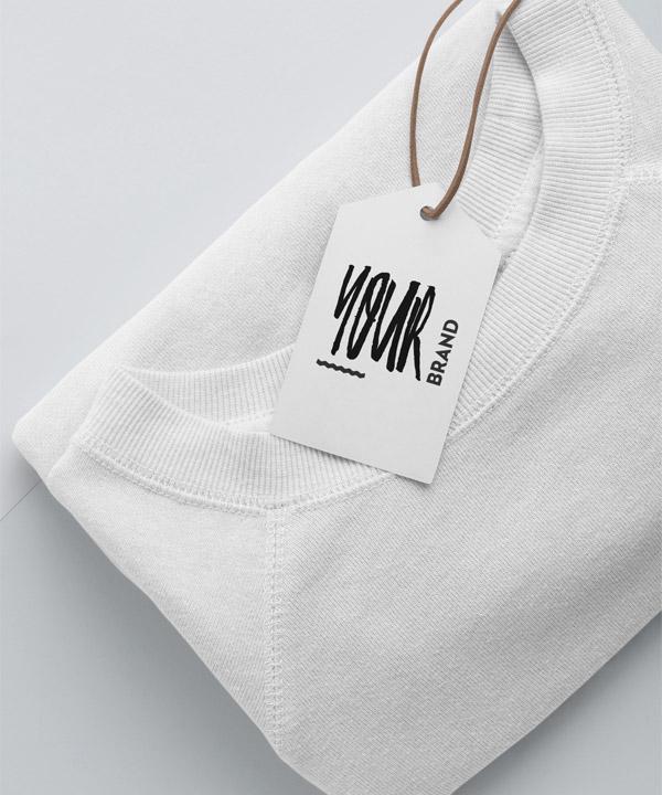 "T-Shirt und ""Your Brand""-Hangtag"
