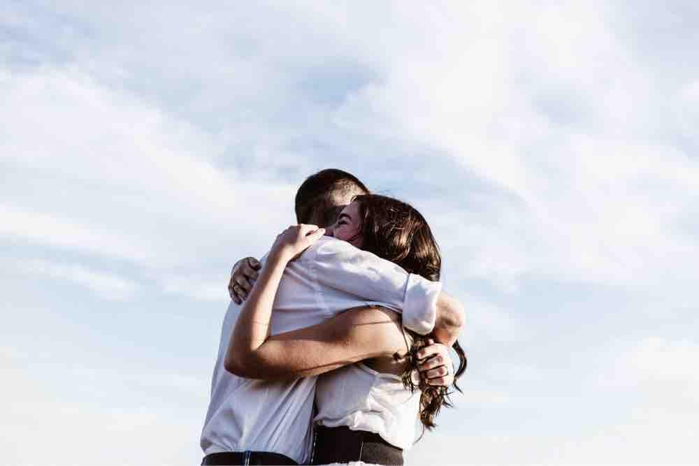 una giovane coppia innamorata