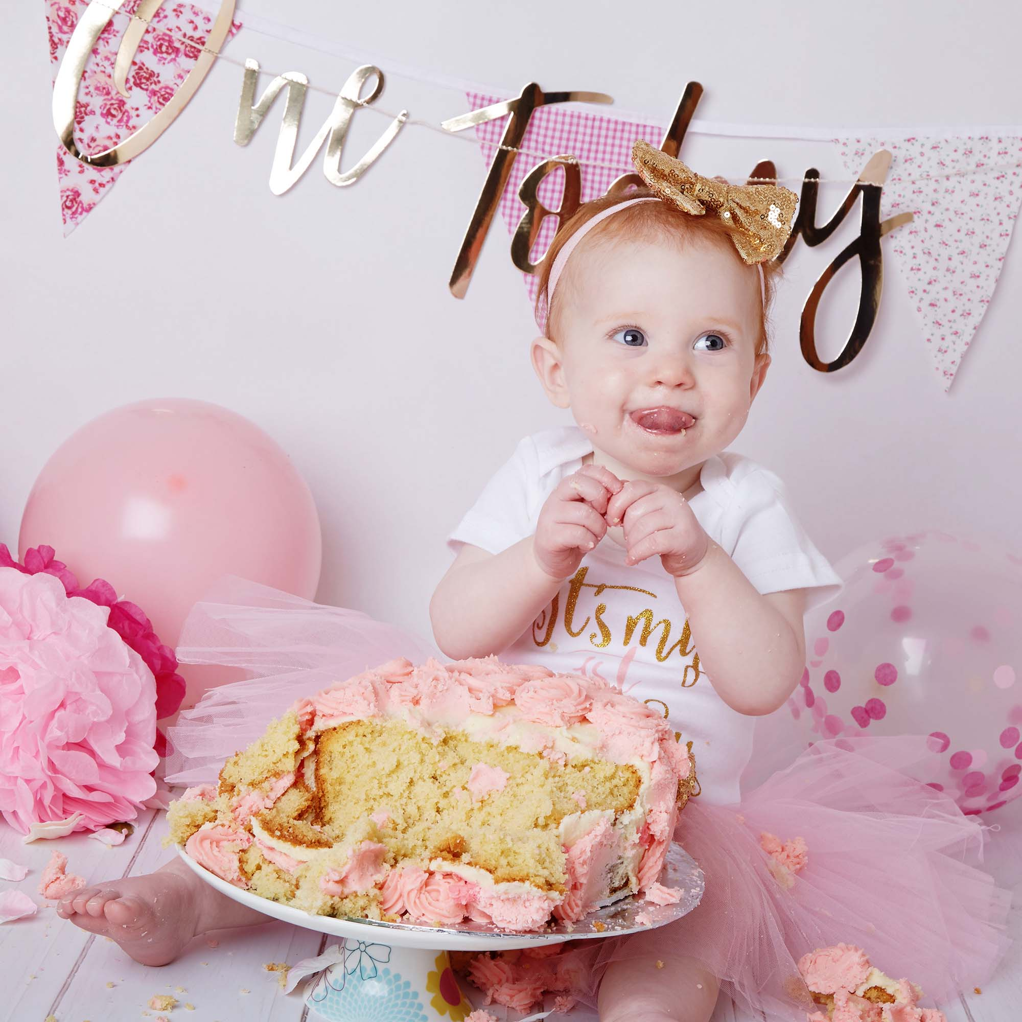 Tremendous Cake Smash Photography Studio Essensi Photography Funny Birthday Cards Online Alyptdamsfinfo