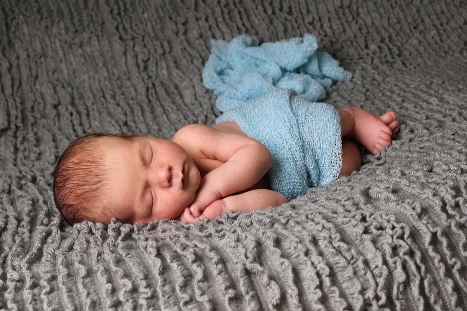 Newborn Blanket side Photography