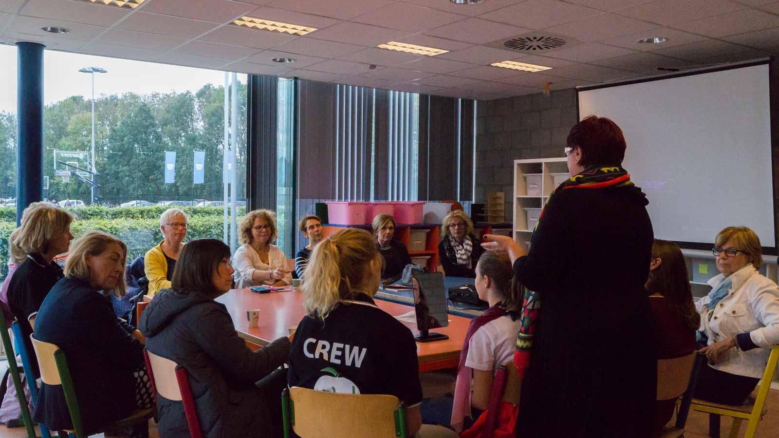 workshops en lezingen in de vergaderruimte van De Plek