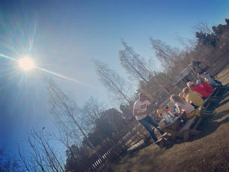 Utemelliset på förskolan är väl helt underbart ✨ sådana här dagar! ☀️🙌🌻  #solgården #waldorfförskola #utemellis #waldorfumeå #umeåförskola