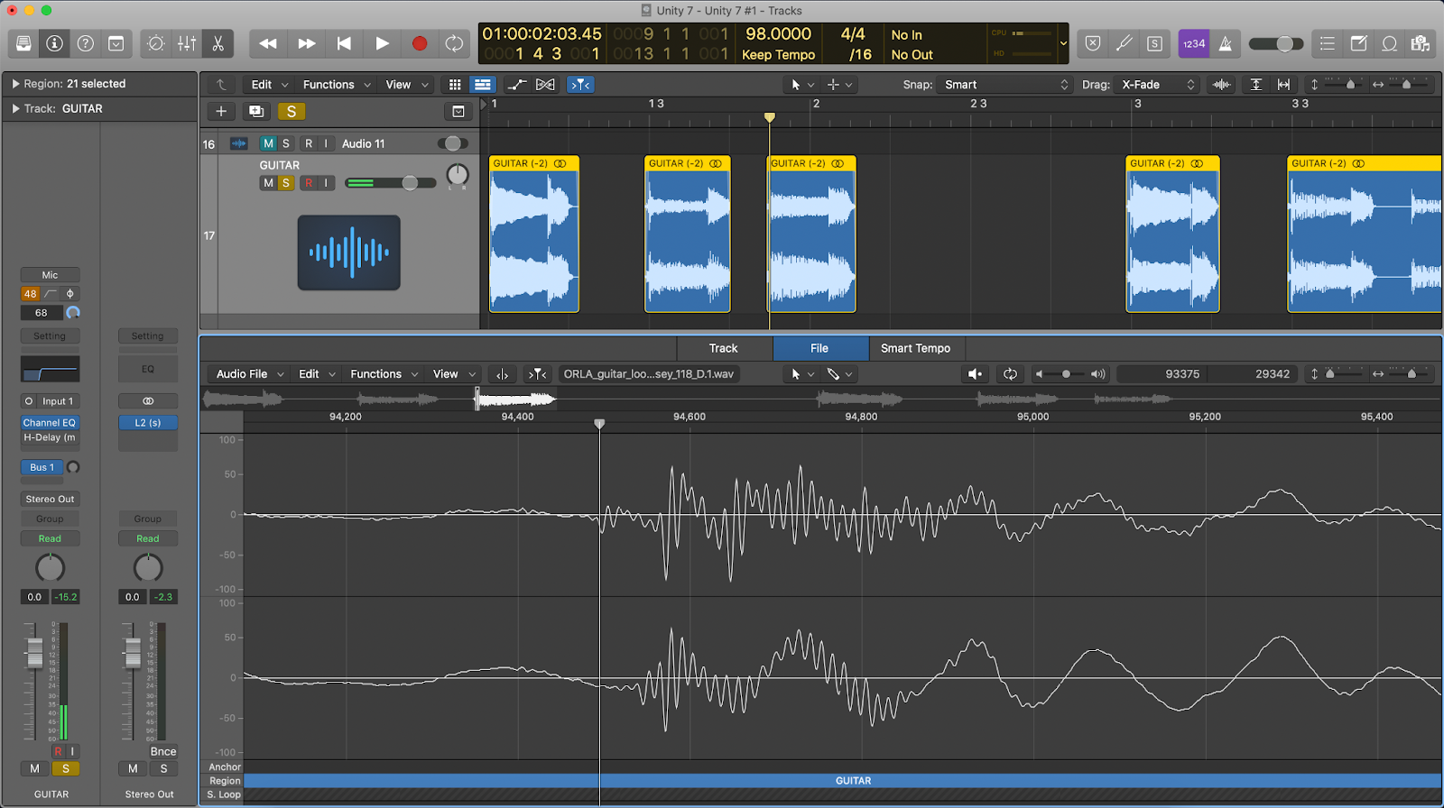 Logic Pro X showing the sample editor window to zoom in on the click in the audio.