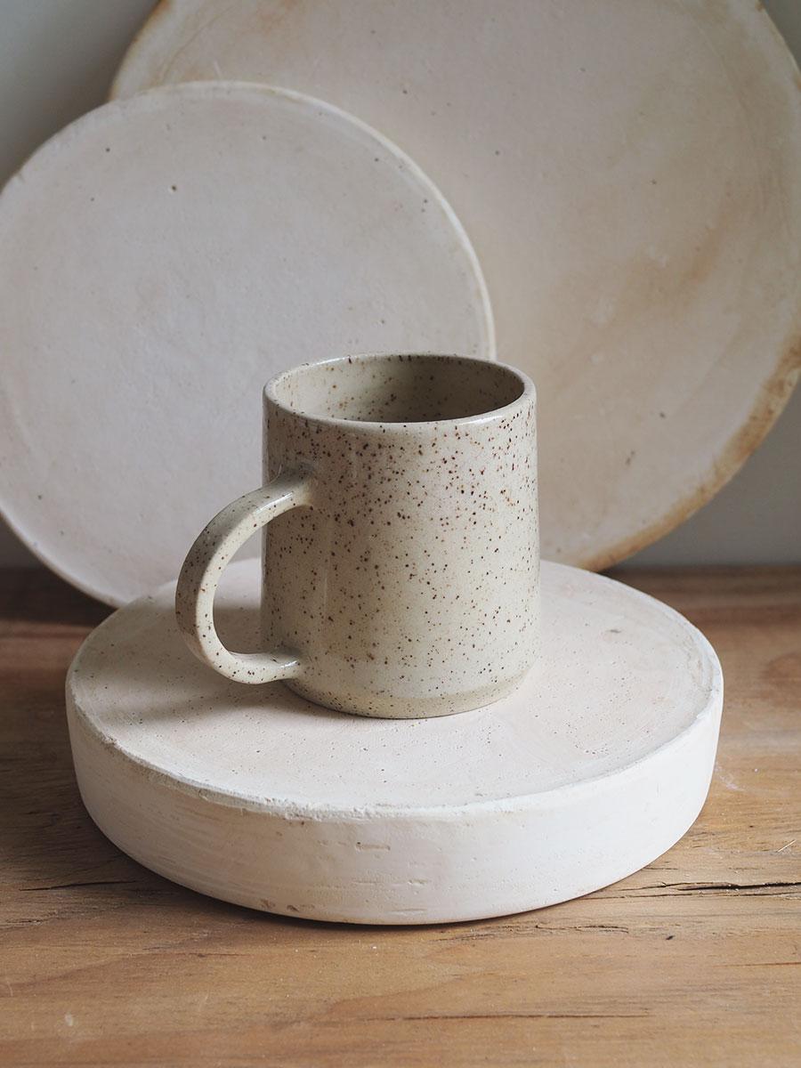 *Seconds* Big Halfmoon Mug in Cinnamon