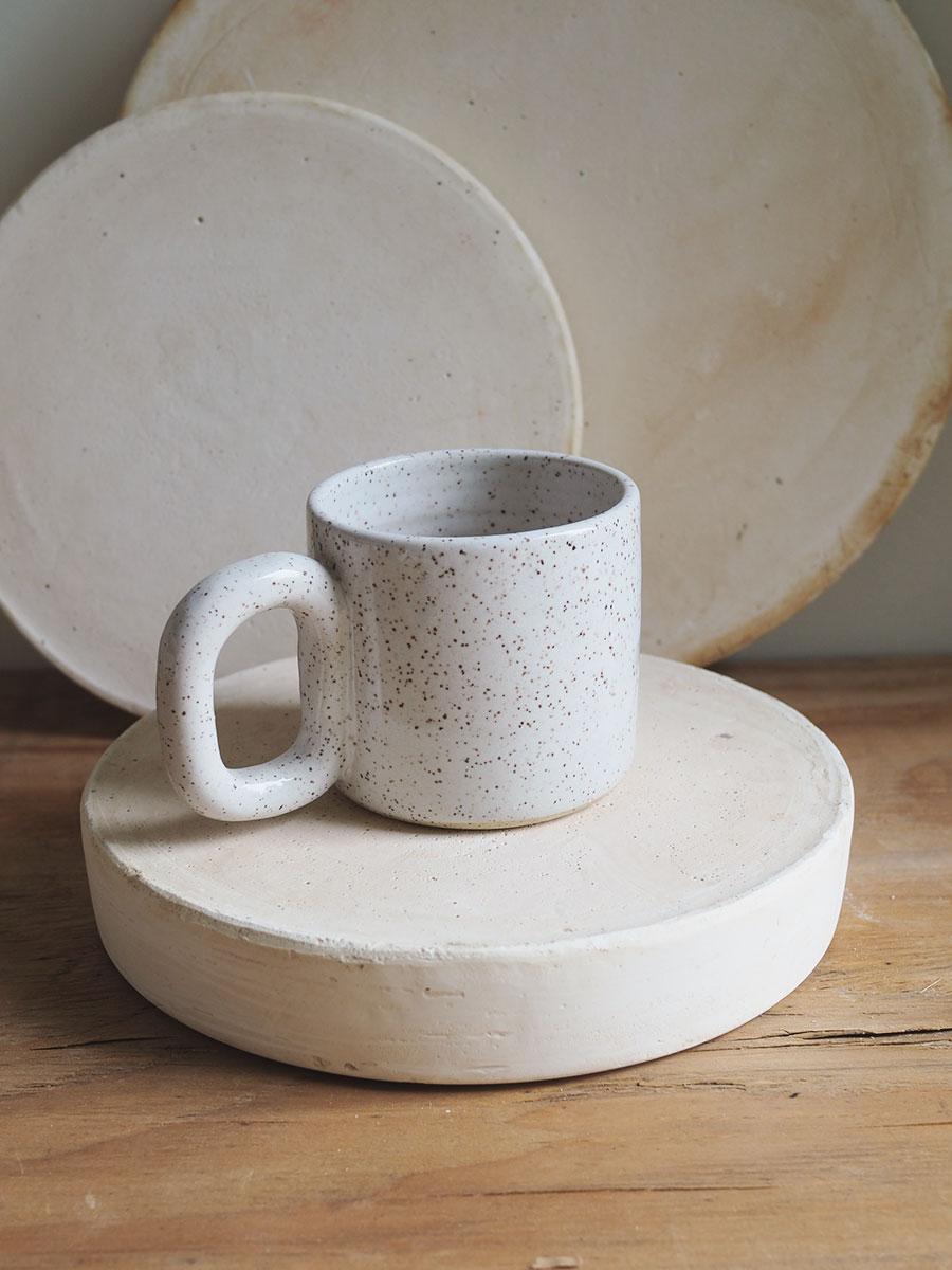 *Seconds* Chain Mug in Eggshell