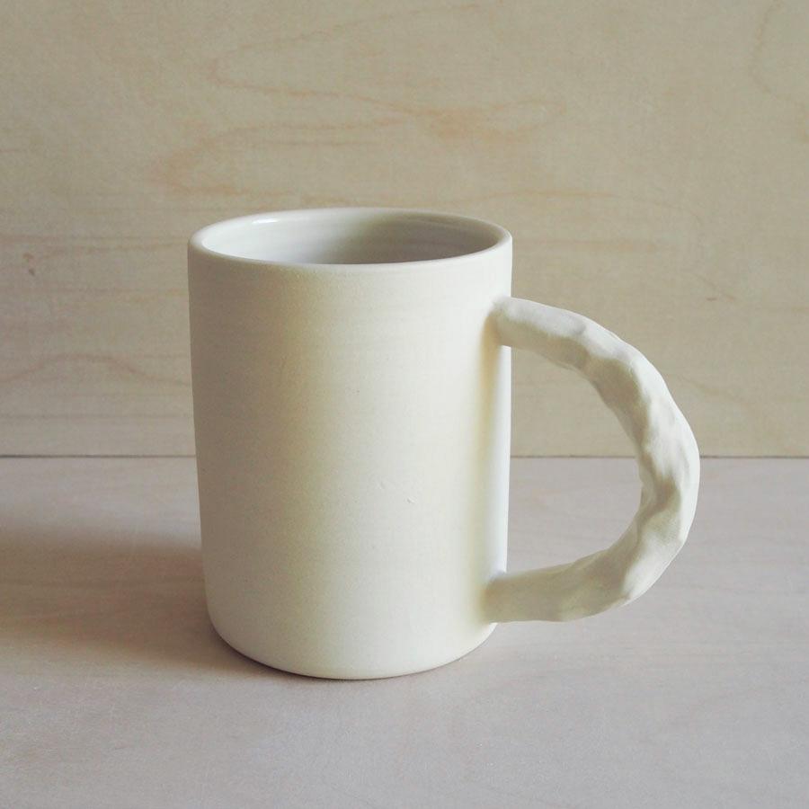 Squish Mug in Raw White