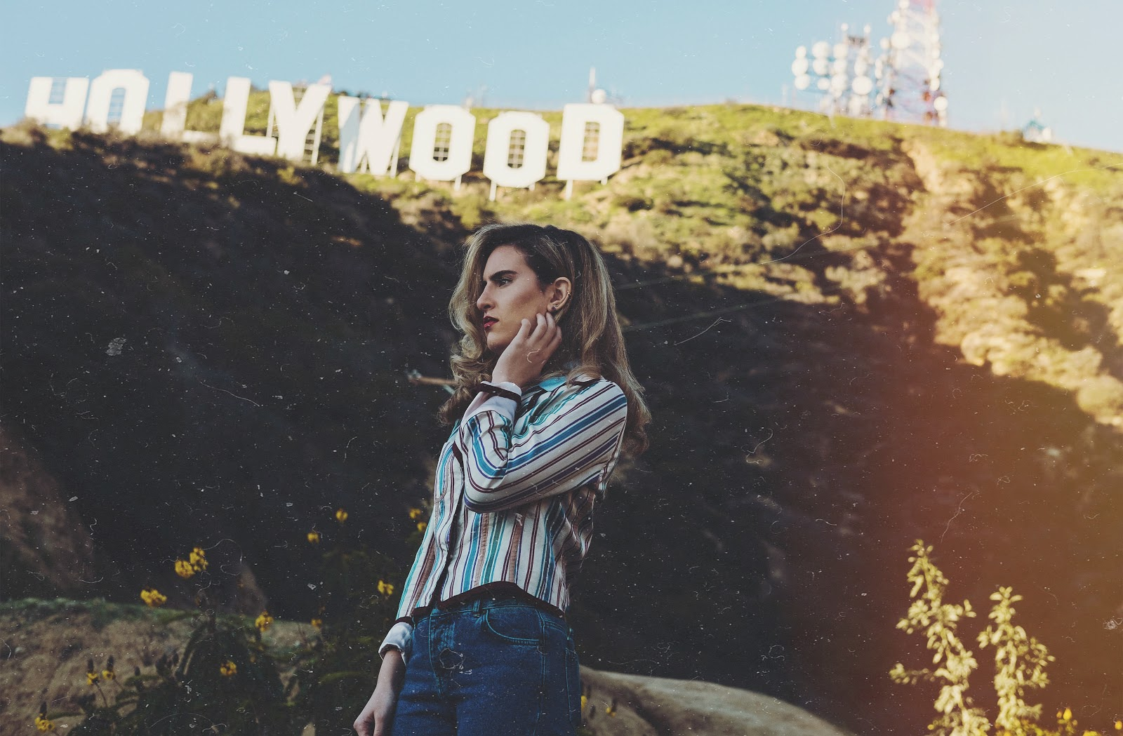 Tamtam singer in front of Hollywood sign