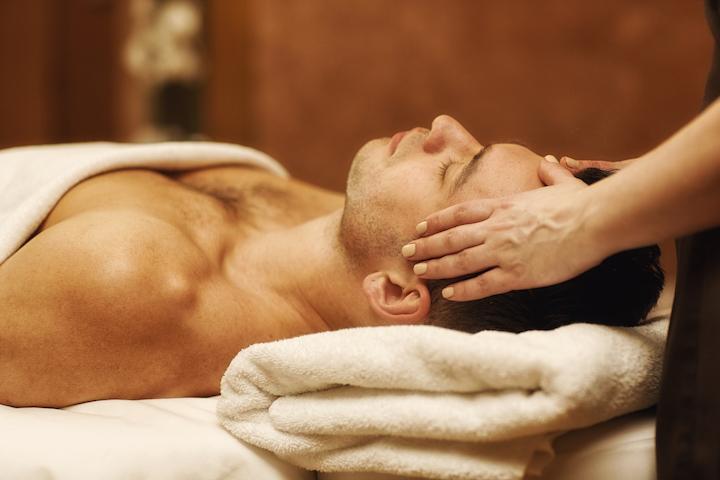 Gepersonaliseerde massage volgens de klachten van de klant.