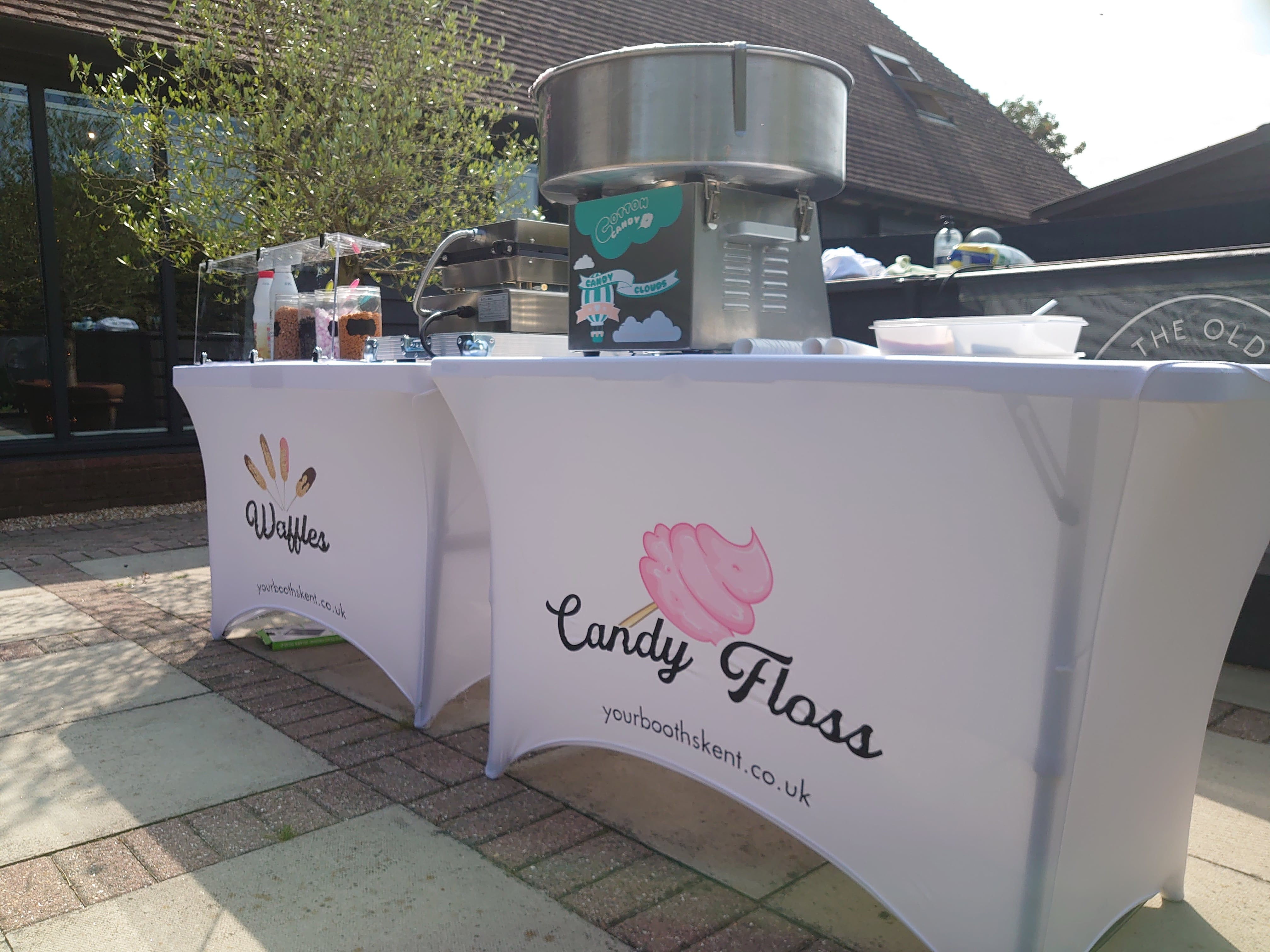 Popcorn Machine Hire Kent made on site and unlimited for your guests including some whacky flavours. Fully PAT Tested and holding Food & Hygiene Certificates, Book your Popcorn Machine Hire for your event today!