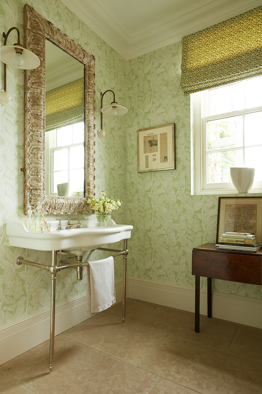 Green cloakroom – interior design by Eadie & Crole