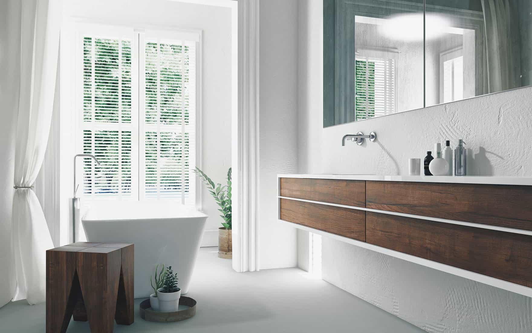 Salle de bain avec meuble sur-mesure suspendu blanc et bois massif.
