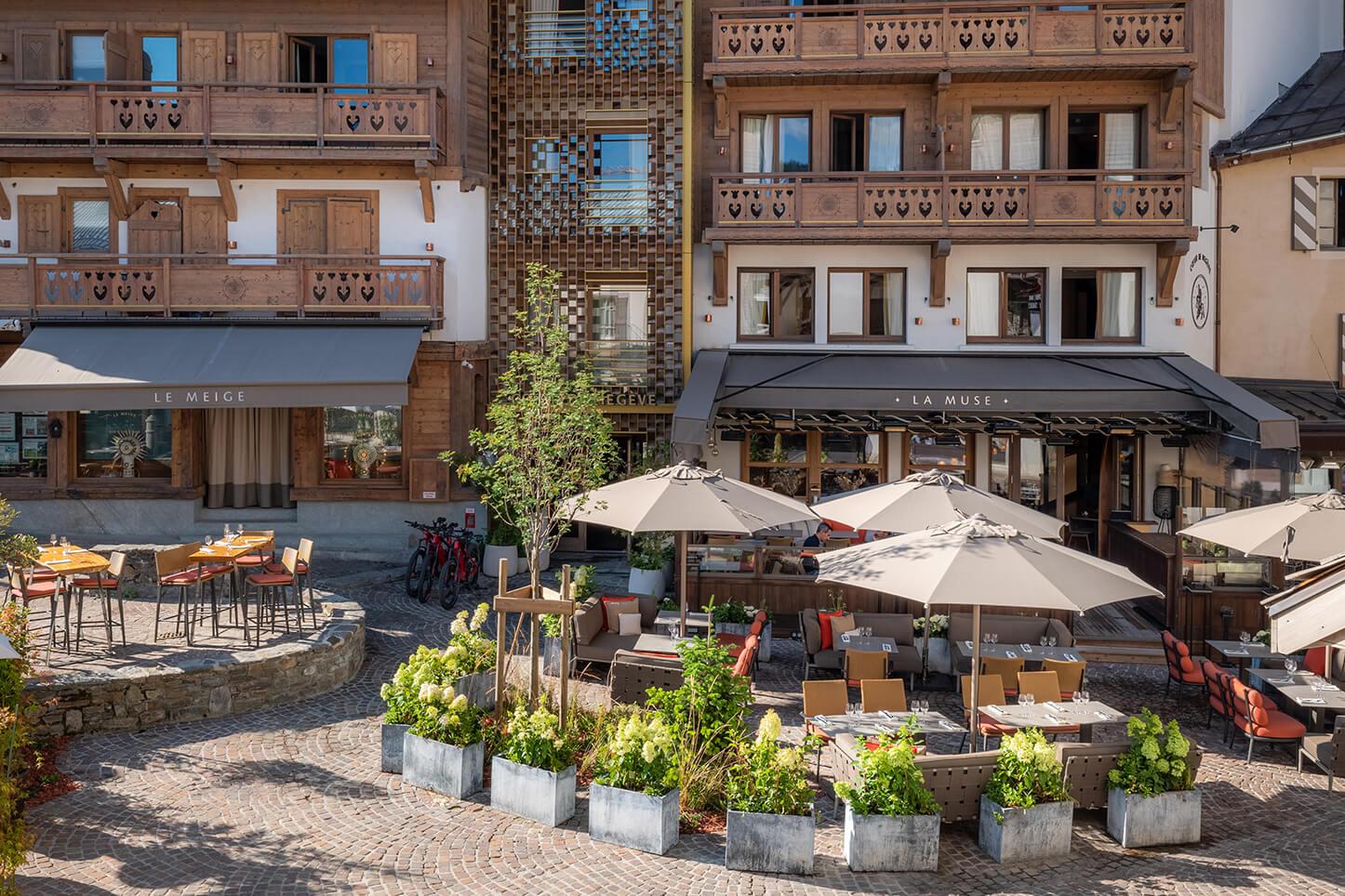 Terrasse extérieure du restaurant La Muse vue de haut