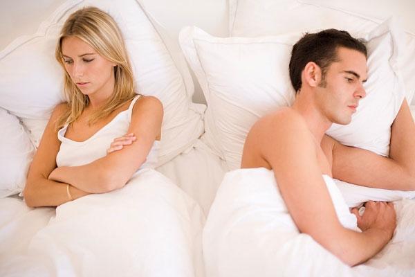 Dương vật cong xuống có ảnh hưởng quan hệ tình dục