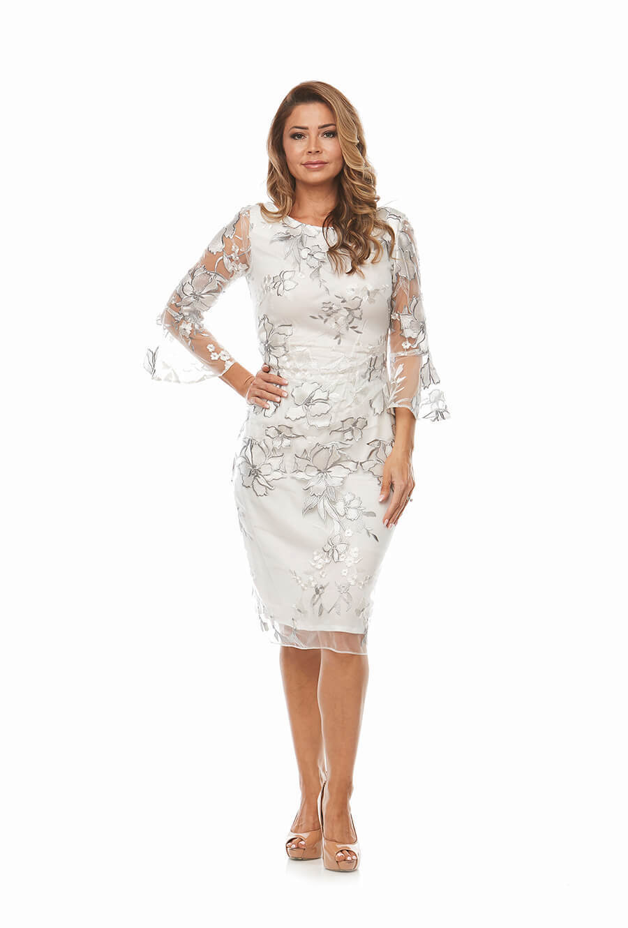 Embroidered lace dress with 2/3 bell sleeves