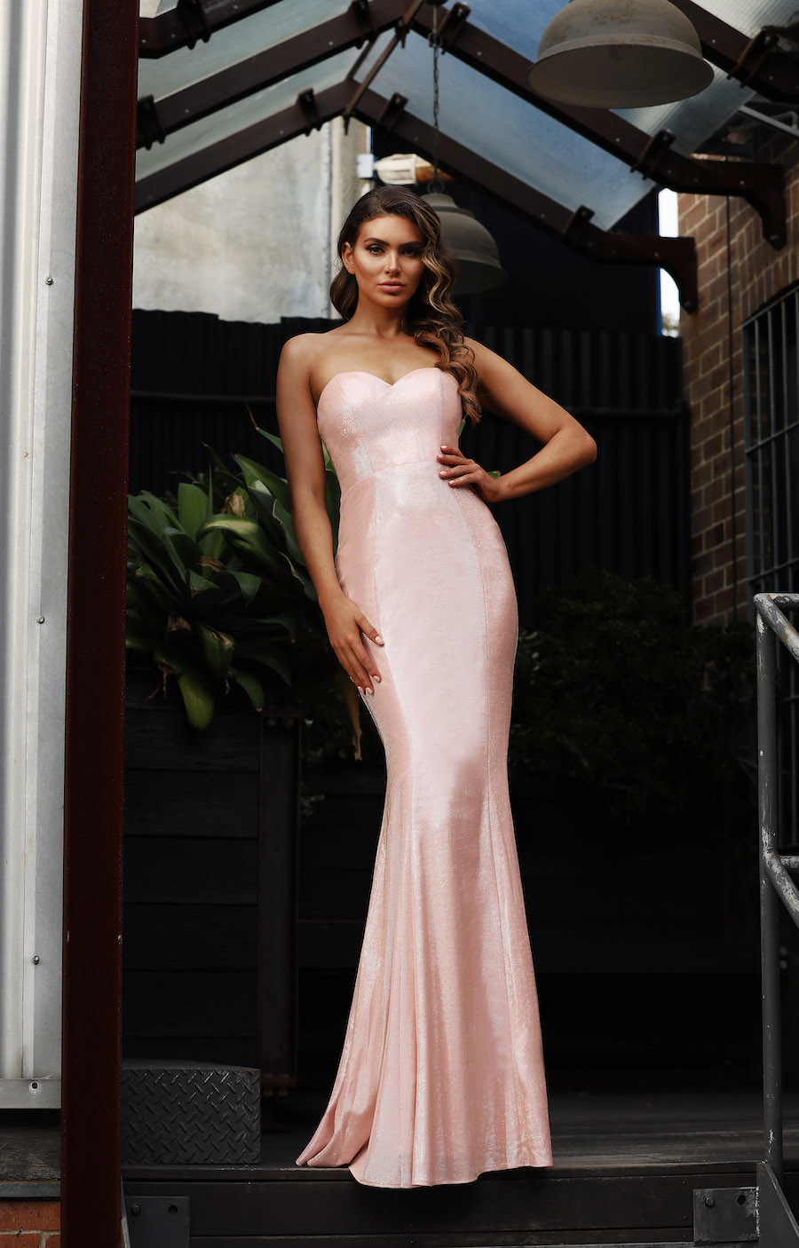 Strapless mermaid gown in shiny fabric with sweetheart neckline