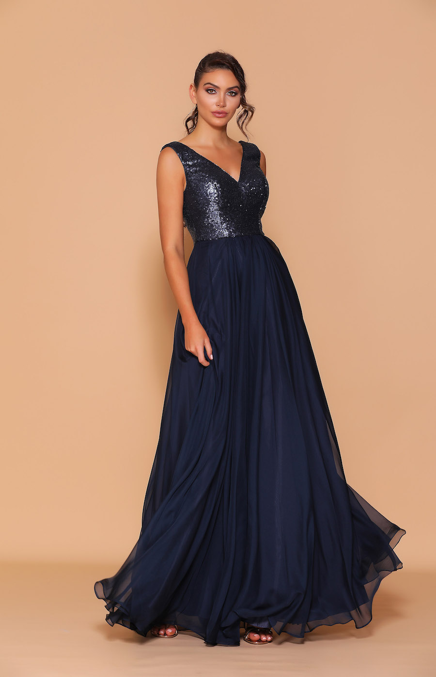 Sequin bodice with v-neck and chiffon skirt