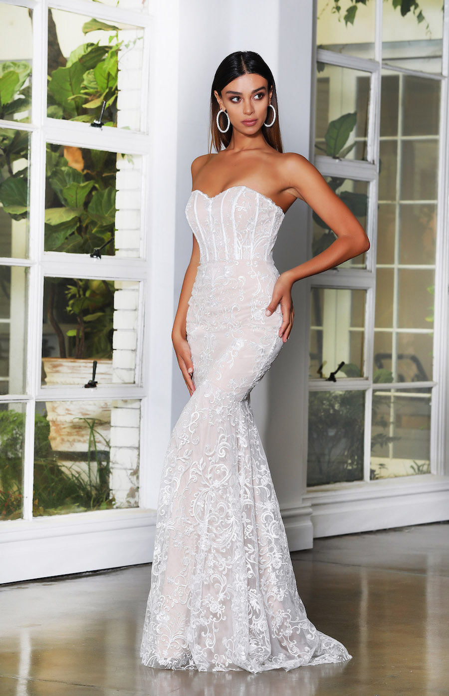 Beautiful Strapless Lacegown with Fitted bodice and fishtail bottom