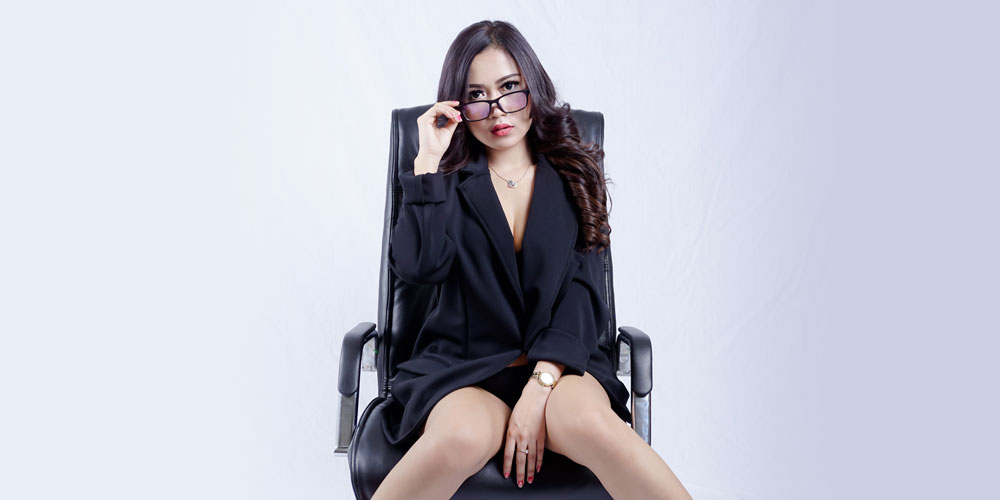 Meeting Yuk sama Sekretaris Sexy di EC Cilacap