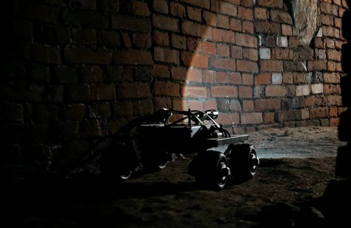 4 unusual ways to use Leo Rover for serving mankind