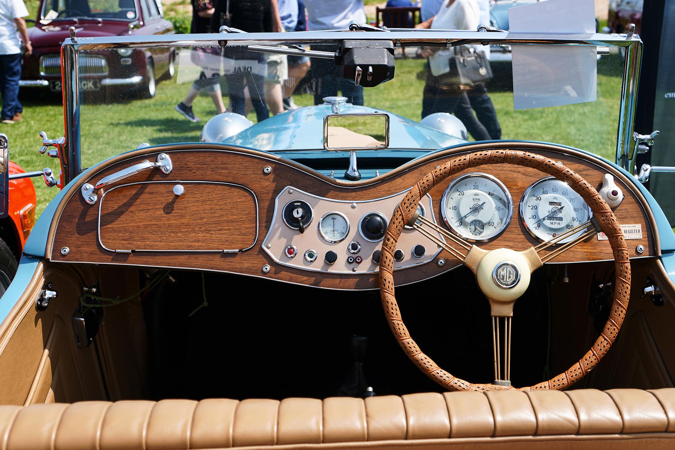 discover-deal-classic-car-show6.jpg