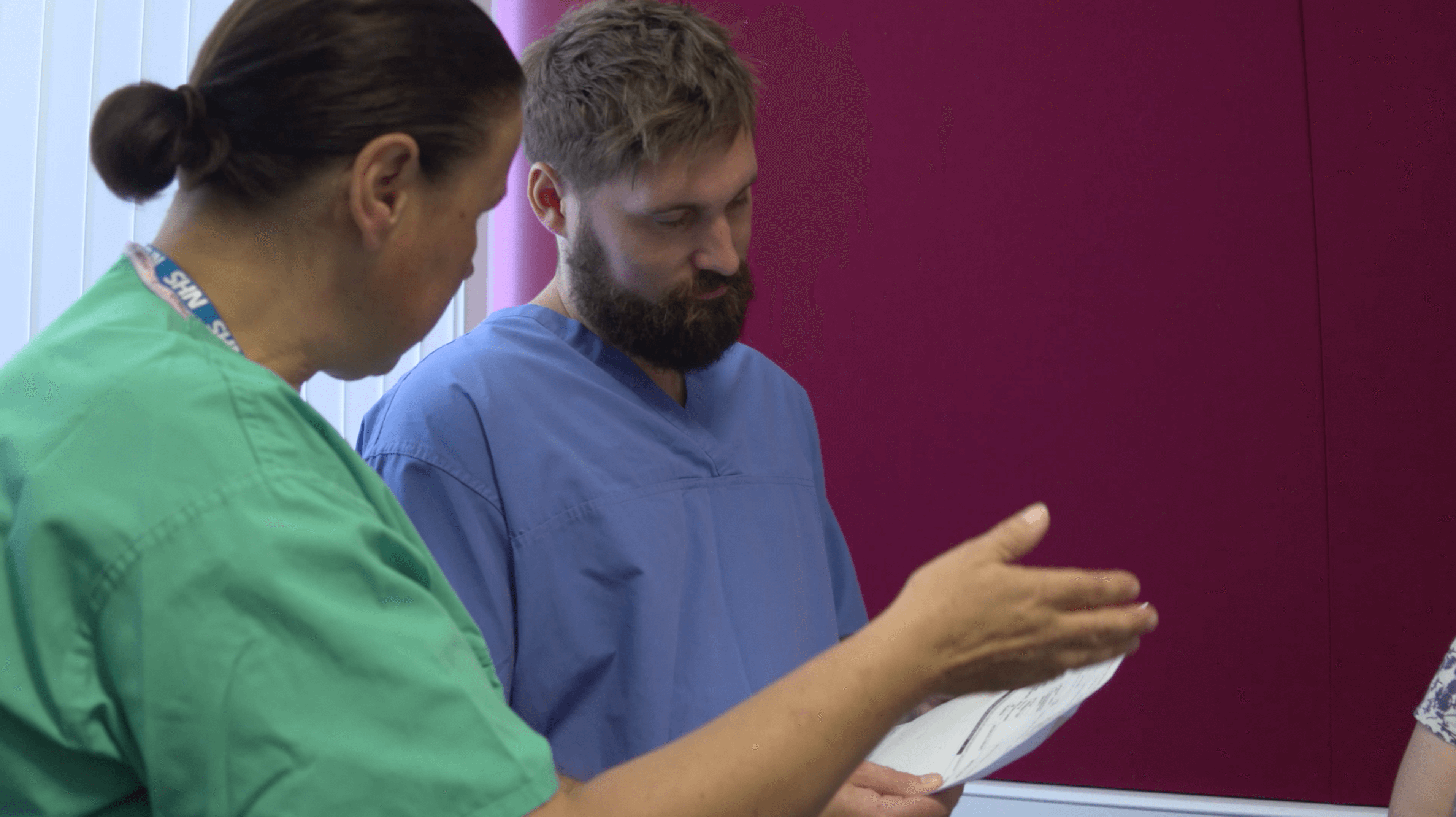 Image from the app showing a user finding a suitable vein to take blood in virtual reality