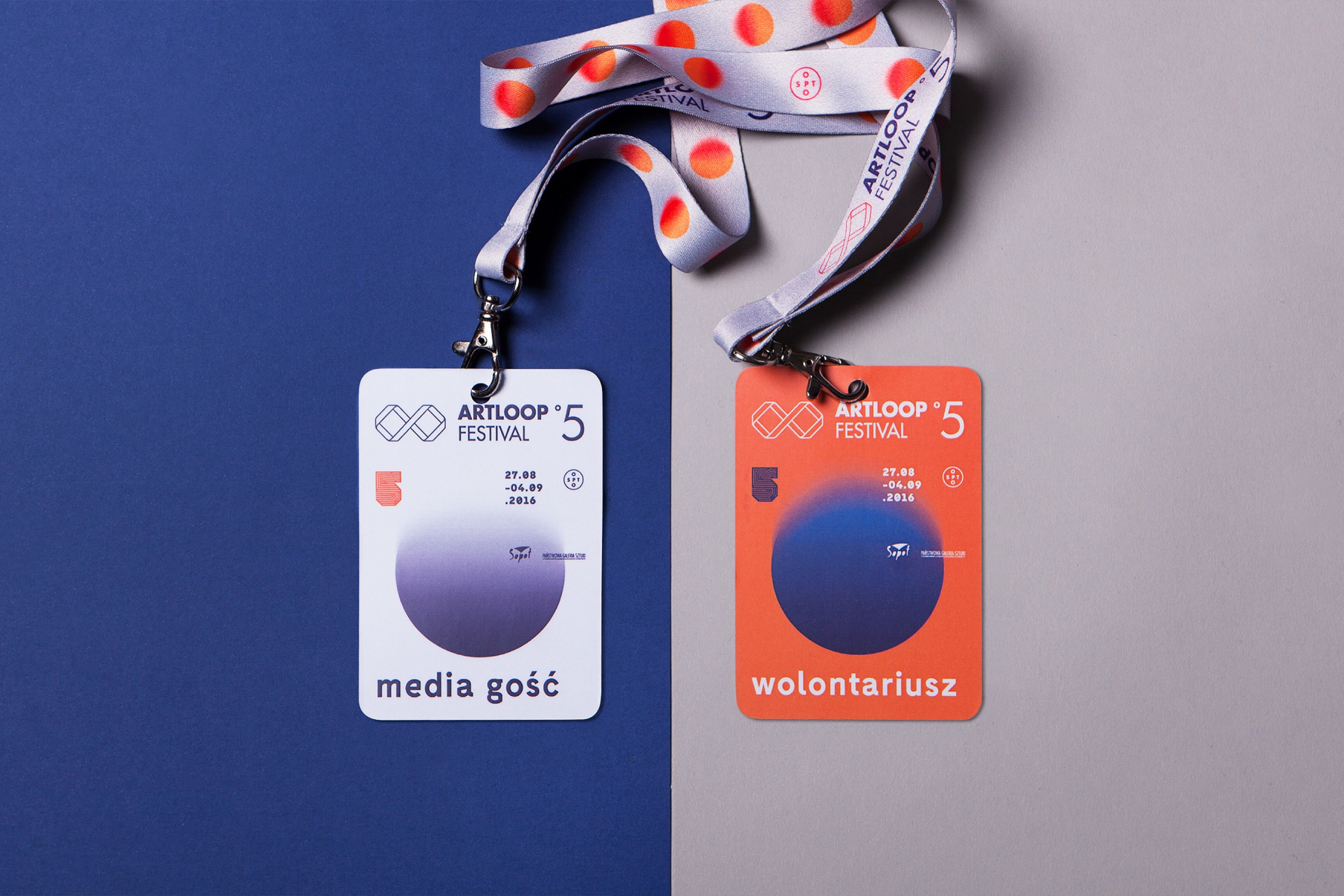 Badges design - Artloop Festival 2016 by Uniforma