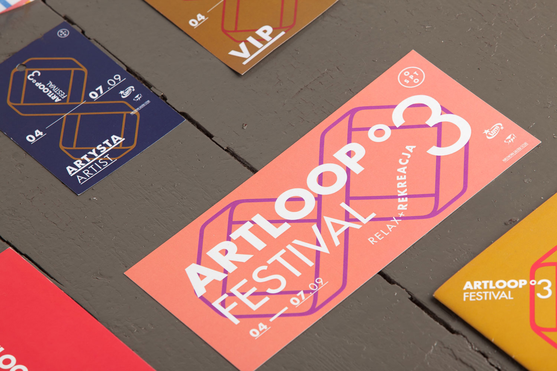 Badges - Artloop Festival 2014 by Uniforma Studio