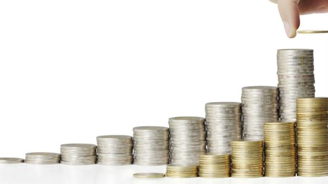 Üürinõude müümisel saab üürileandja oma üüritulu nõude ostjalt garanteeritult kätte kas osalise või täieliku ettemaksuna või igakuiste laekumistena üürileandja soovitud kuupäevadel. Igakuise üüri kogumise õigus läheb üle nõude ostjale, kes kannab edaspidi ka üürniku võlgujäämisest tuleneva krediidiriski.
