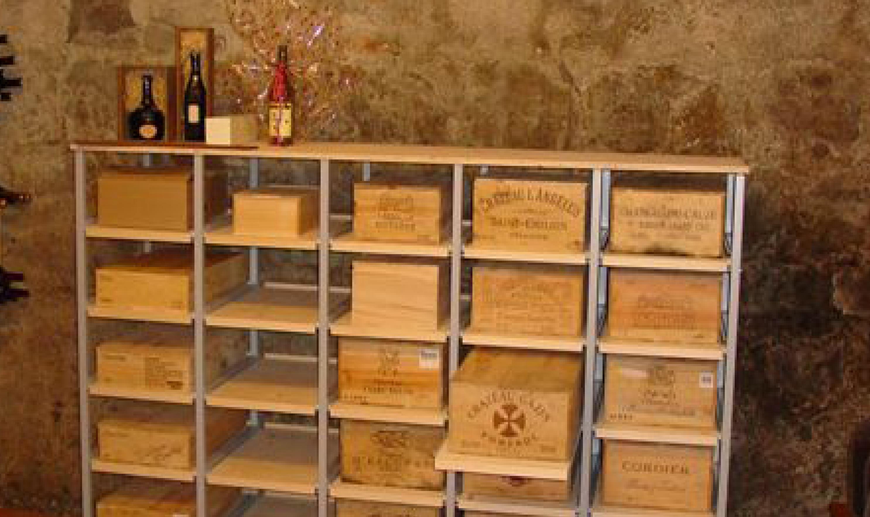 Weinkistenregal