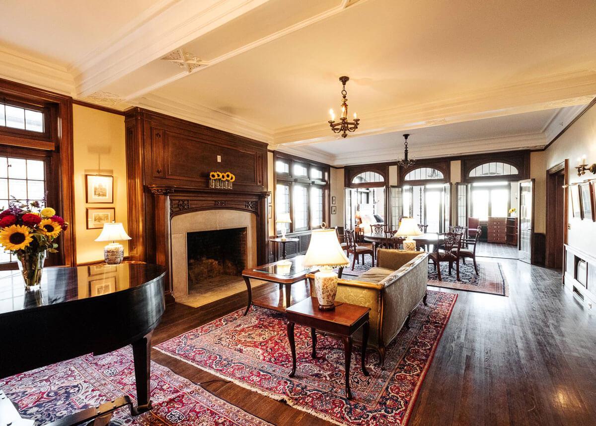 The Davison Hotel living room