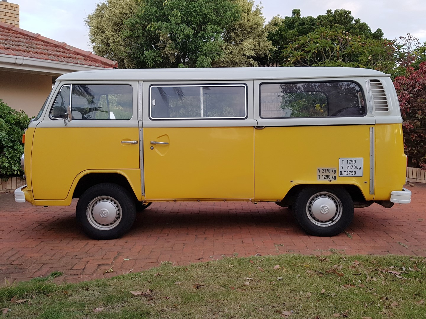 VW Kombi and Camper Shipping