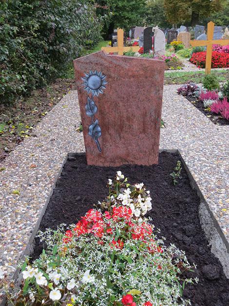 schöne günstige und moderne Grabsteine vom Steinmetz und Bildhauer Messerschmidt in Crailsheim aus Deutschland in willich