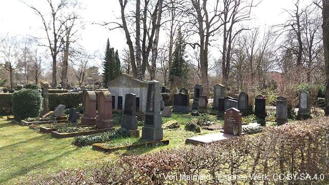 Grabstein in Ulm Friedhof