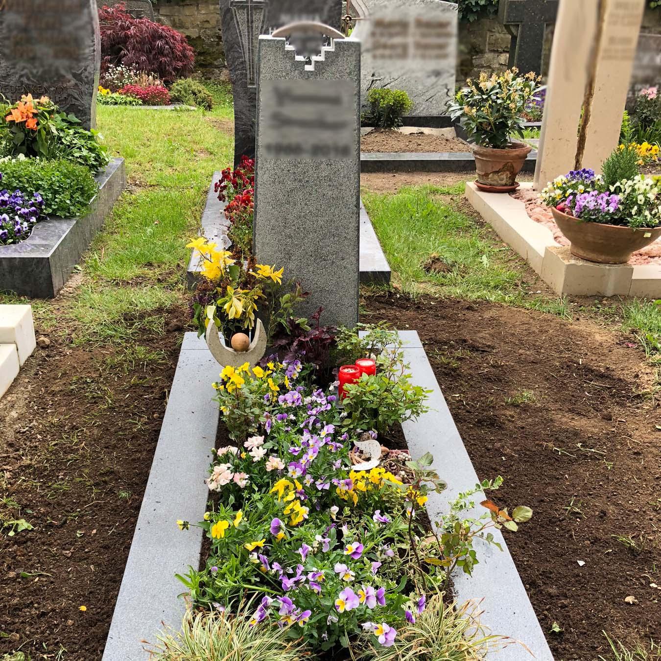 Einzelgrabstein vom Steinmetz in Deutschland