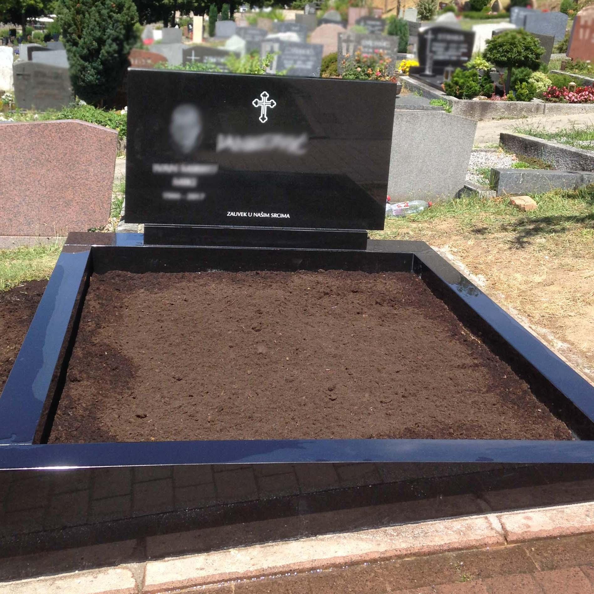 günstiger Doppelgrabstein mit Bild und Gravur