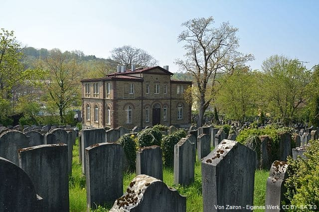 Grabsteine in Würzburg auf Friedhof