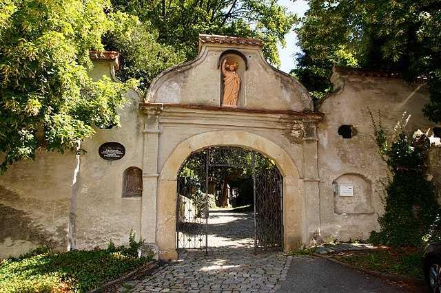 Friedhof-St. Peter-Straubing-Grabstein