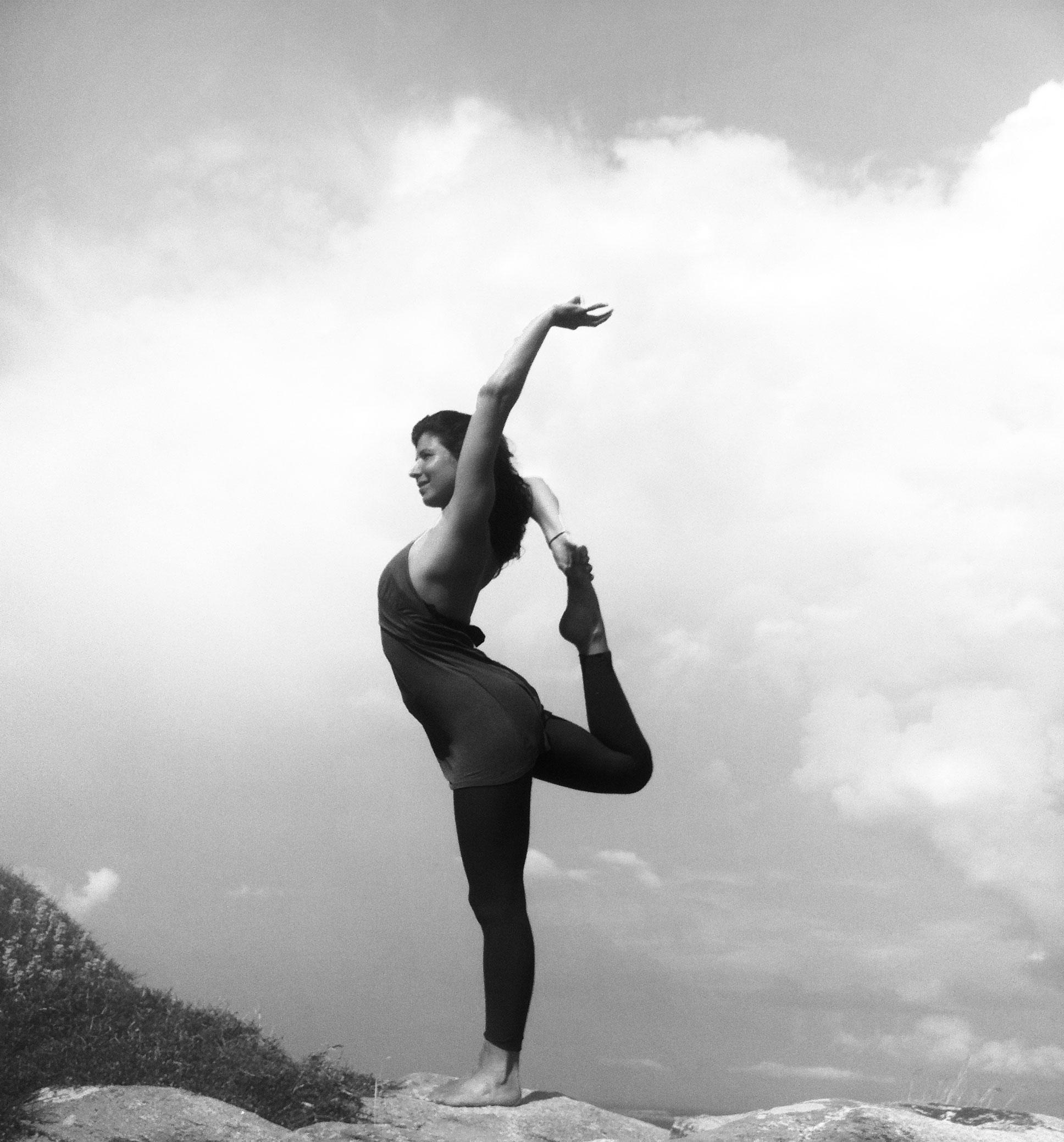 Saniye Yoga in der Wüste