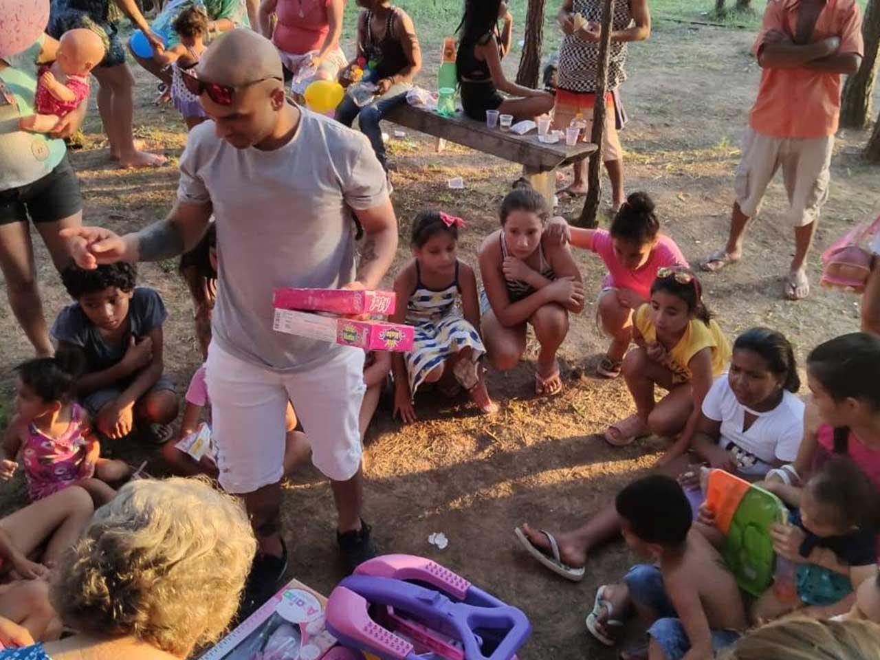 Children's Day in Brazil: the Object Edge Campaign