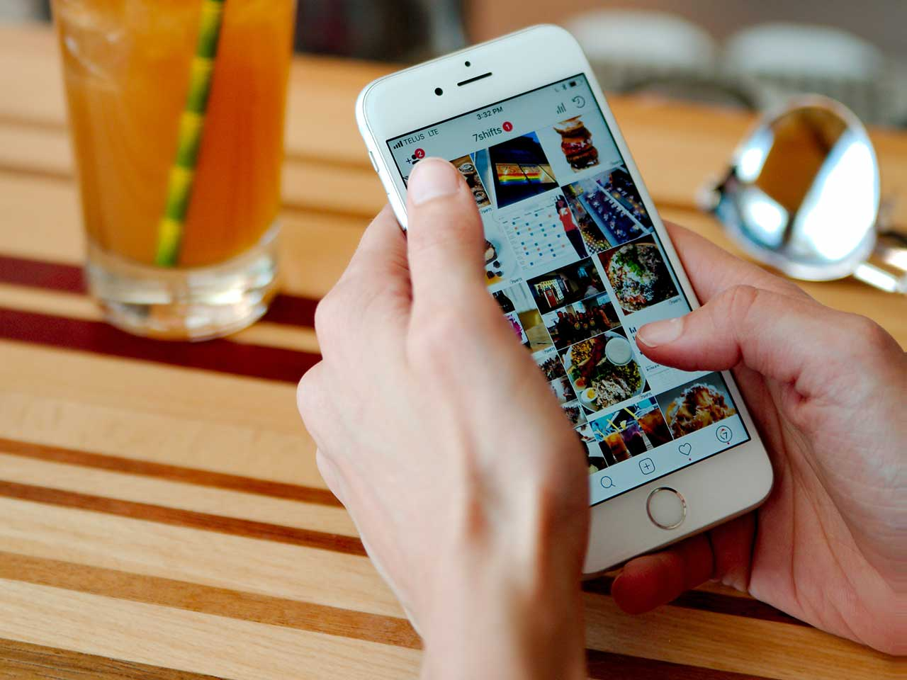 Retail & eCommerce: What To Know About Social Commerce