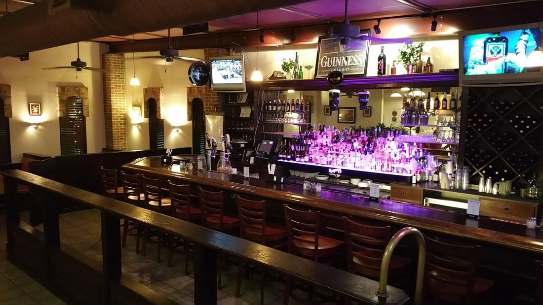 RObertos Italian Restaurant in Ocean Isle Beach NC offers a full bar