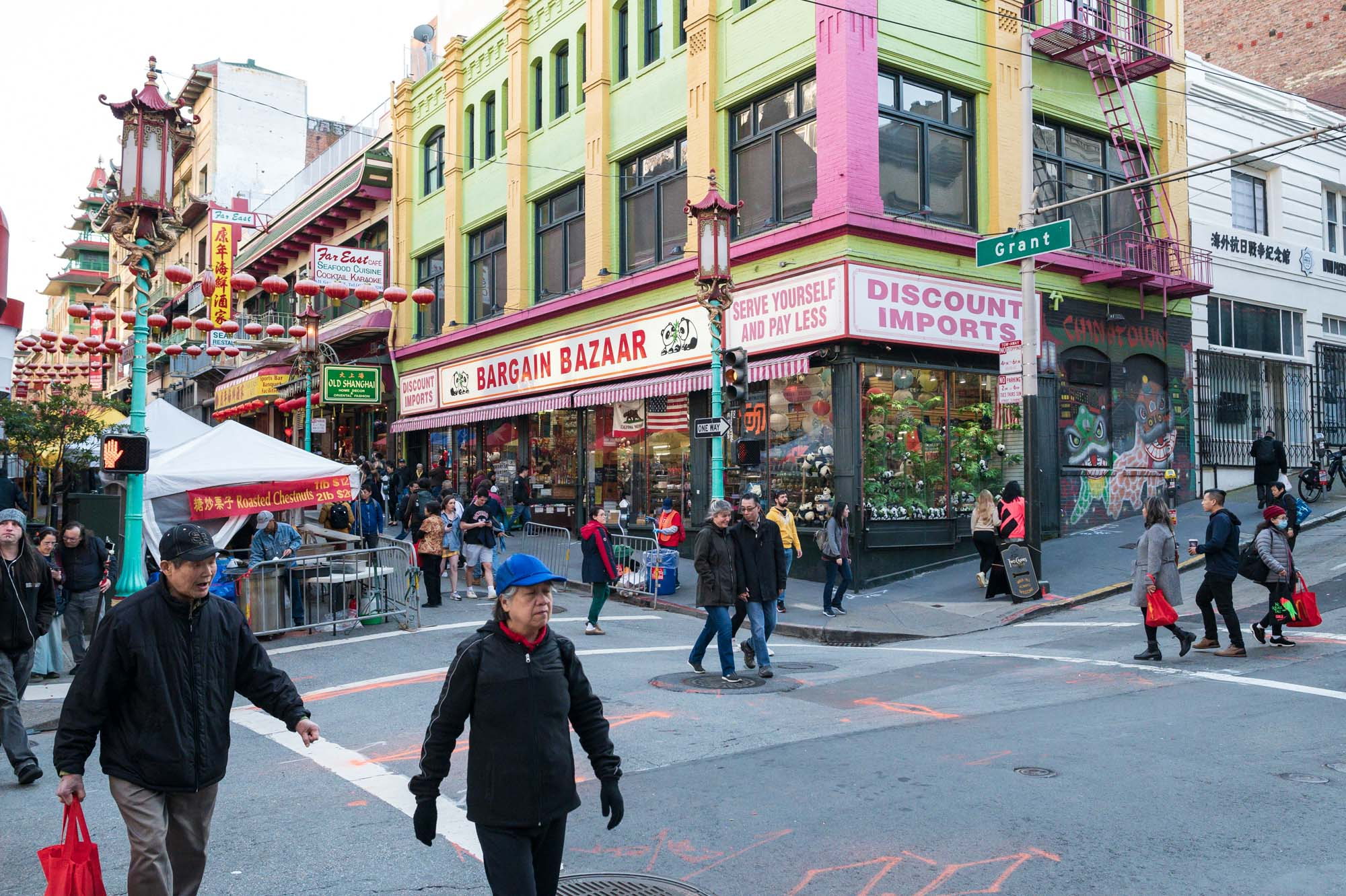 a busy day in San Francisco's Chinatown district