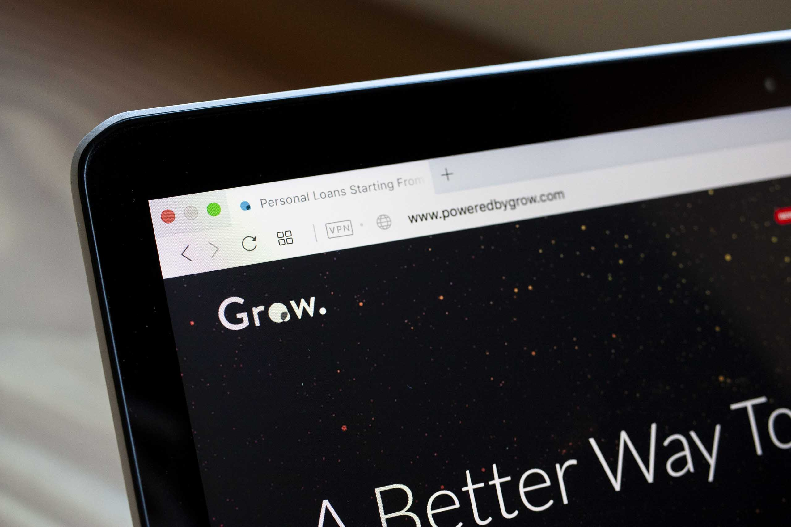 Up close with the Grow branding showing the favicon and main headline set in Lato typeface — by Yagnyuk.